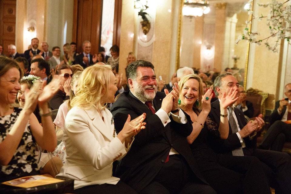 Торжественный прием состоялся в рамках  XVIII Открытого фестиваля искусств «Черешневый лес» в Посольстве Итальянской республики. В центре на фото Михаил Куснирович, глава Bosco di Ciliegi
