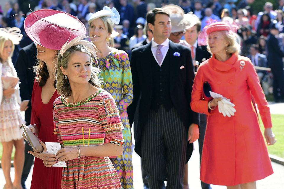Британская аристократия показала себя во всем цветовом великолепии. Слева – Крессида Бонас, бывшая подруга принца Гарри