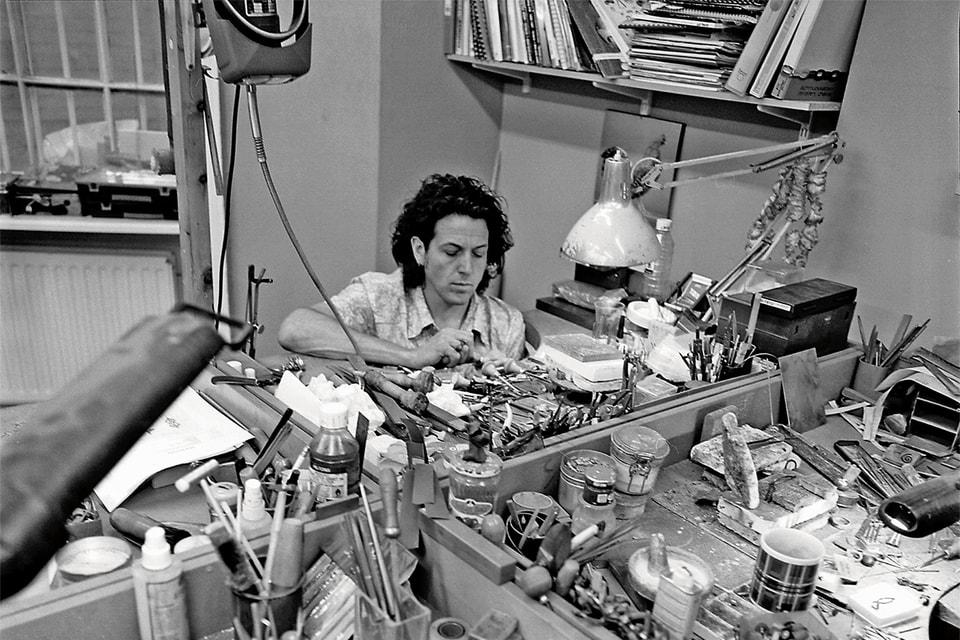 Ювелир за работой – Стивен Вебстер в 80-е годы