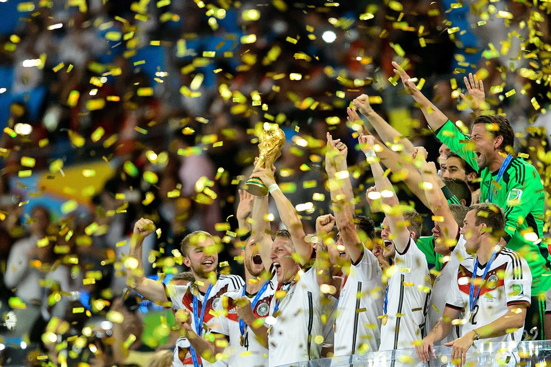 Эмоции победителей чемпионатов мира по футболу