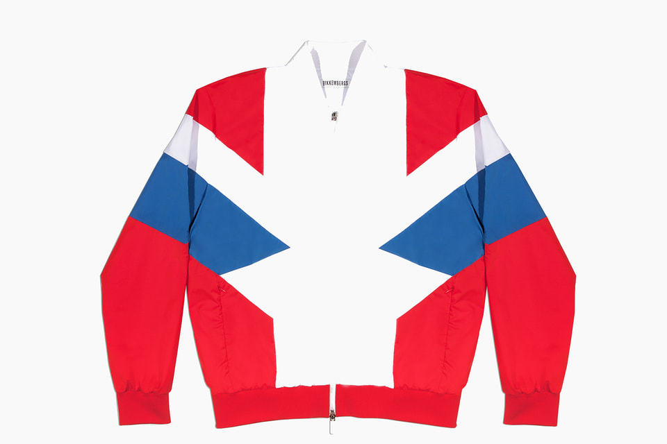 Коллекция Bikkembergs выполнена в цветах российского триколора