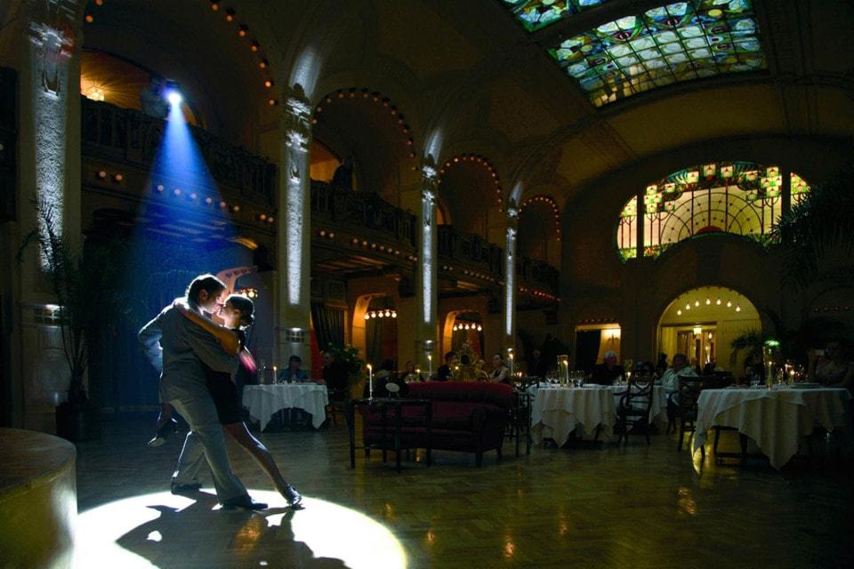 Танцевальный вечер в Гранд Отель Европа