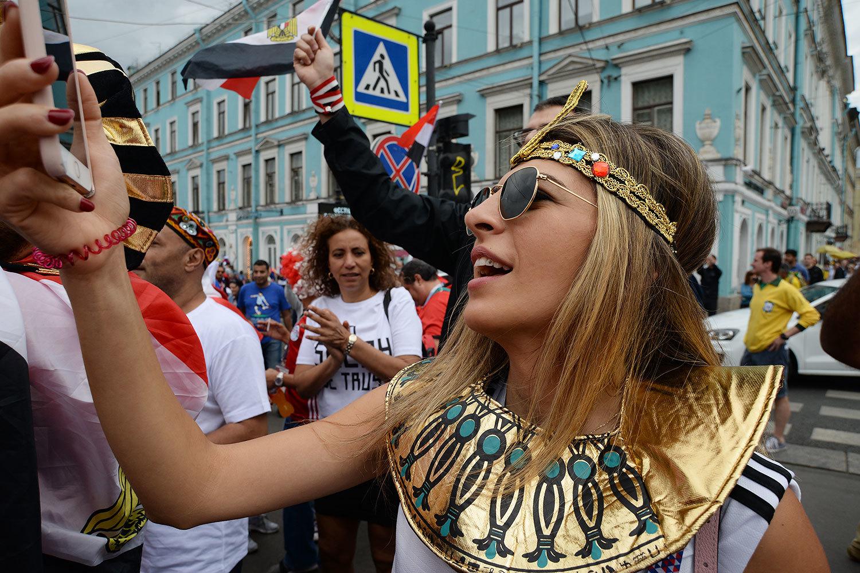 Болельщики сборных России и Египта готовятся к матчу в Петербурге