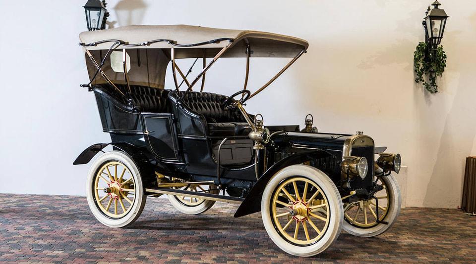 Ford Model B 1905 года был продан за 488 000 долларов, что стало рекордом для данной модели