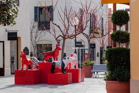 La Roca Village – это не только шопинг, но арт: в бутик-городке проходит выставка  #LoveTheDogArt