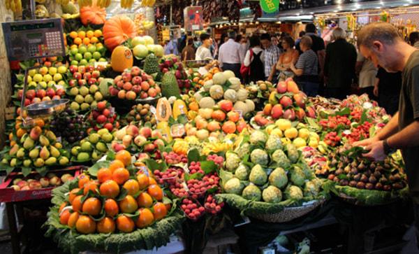 Рынок Бокерия (Mercat de la Boqueria) входит в топ-список достопримечательностей  города