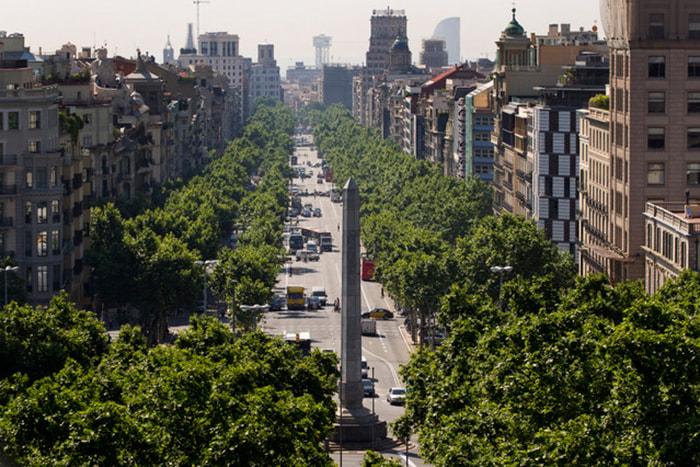 Passeig de Gracia - самая дорогая улица Барселоны