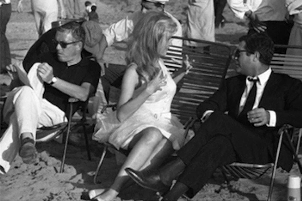 Актеры Марчелло Мастрояни, Памела Тиффин и режиссер Лучиано Салче на съемках, октябрь 1965 г.