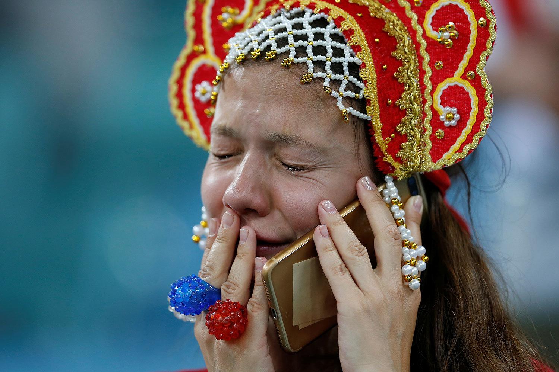 Слезы после матча России и Хорватии