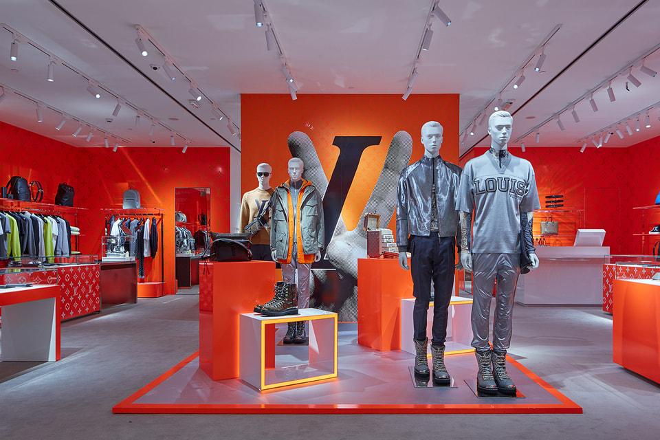 Корнер Louis Vuitton в ЦУМе