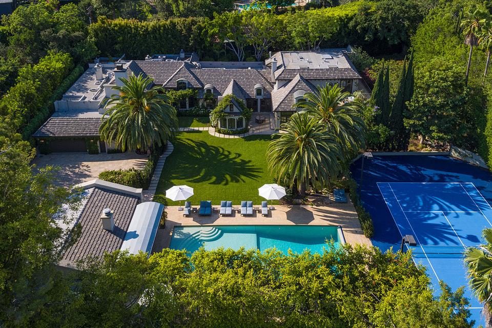 В 2003 году Мадонна купила этот дом, построенный в 60-е гг, за $12 млн