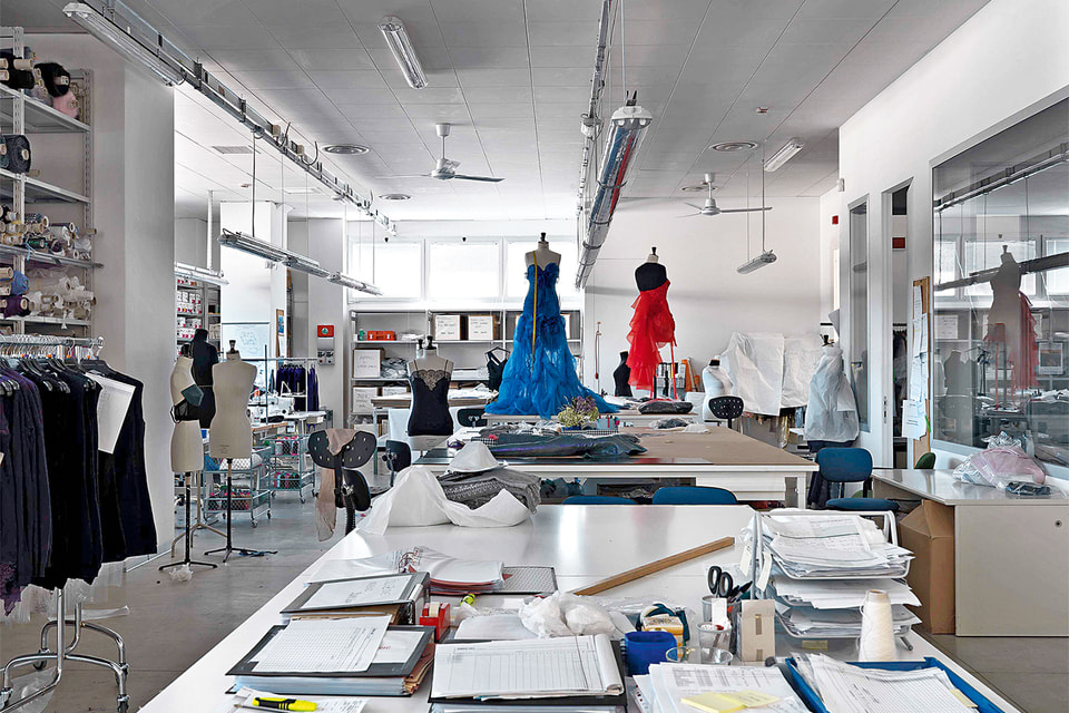 Ателье couture в штаб-квартире Ermanno Scervino