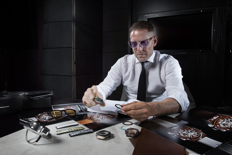 Сто экземпляров Hublot Big Bang Unico Teak Italia Independent –  пятая совместная серия часов Лапо Элканна и швейцарского бренда Hublot