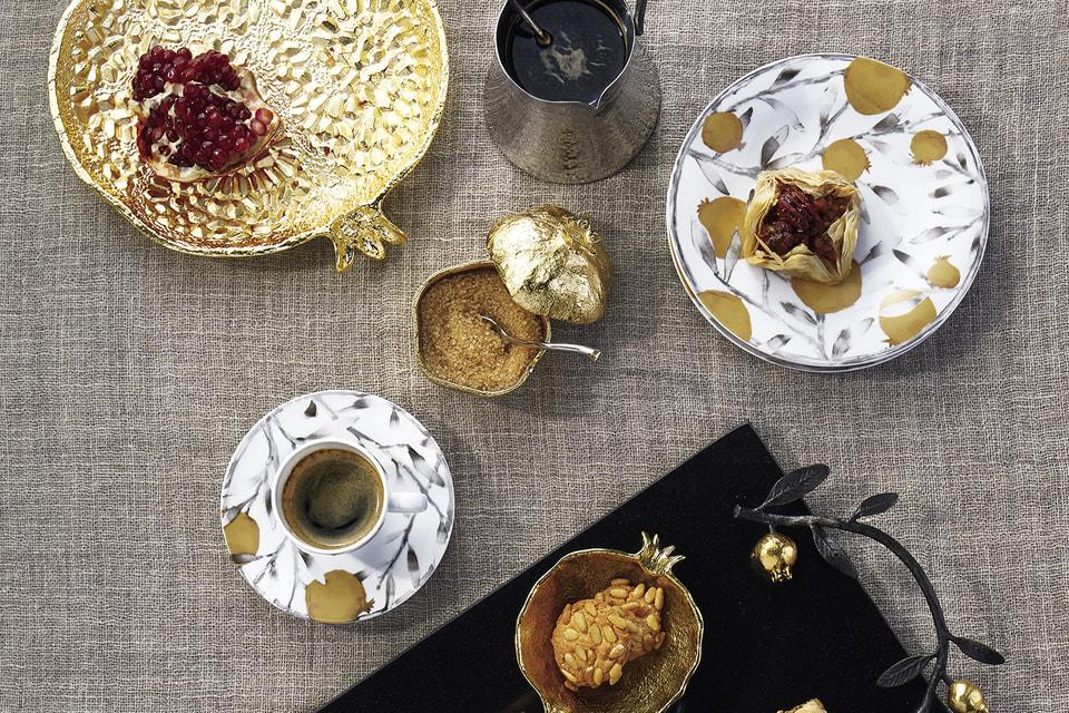 Чаши, набор из турки и ложки, кофейная пара и поднос из дизайнерских коллекций Michael Aram