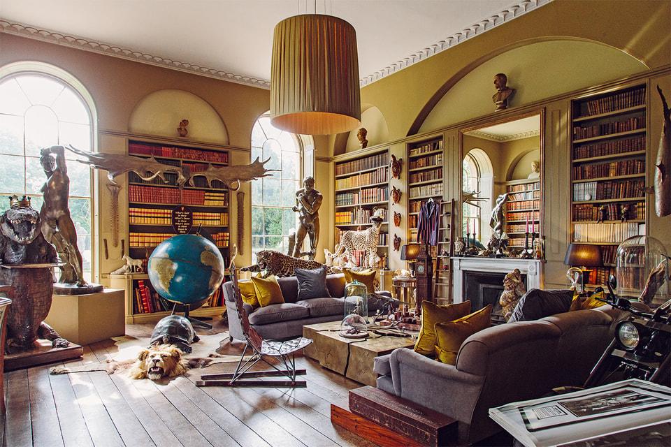 Коллекция Джеймса Перкинса поражает изобилием глобусов, оружия и настоящим «зоопарком» из чучел животных