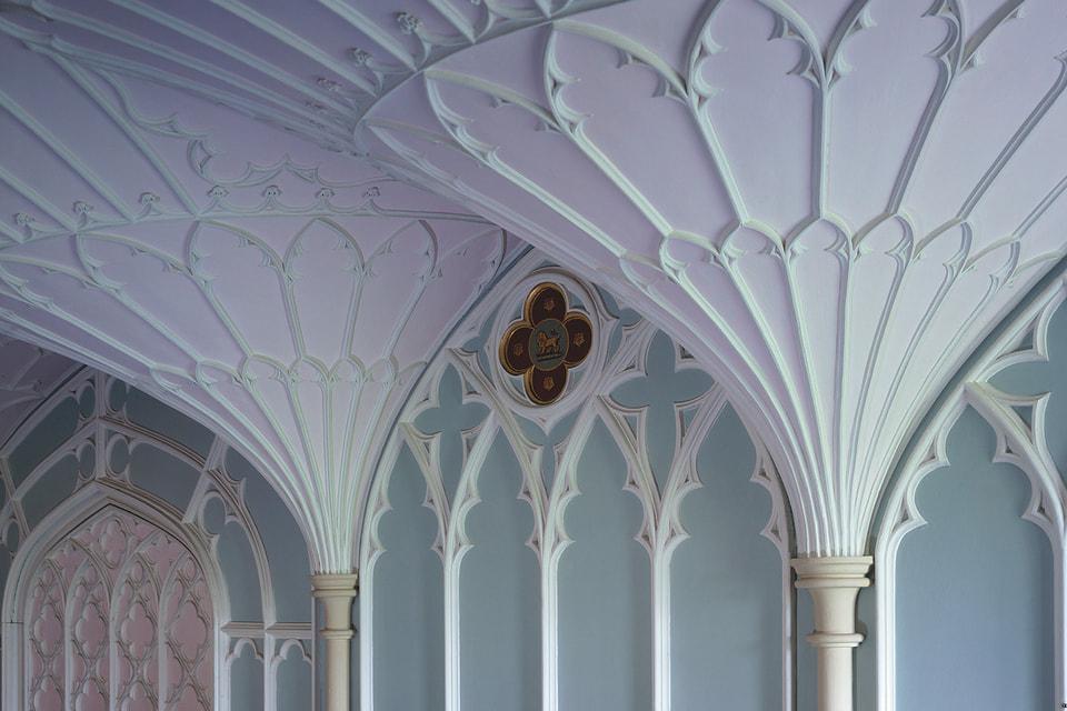 Своды в усадьбе XVII века Audley End. Дом стал частью проекта English Heritage Properties, в рамках которого Дэвид Моттерсхед и его команда изучают исторические цвета и помогают восстановлению значимых произведений архитектурного искусства