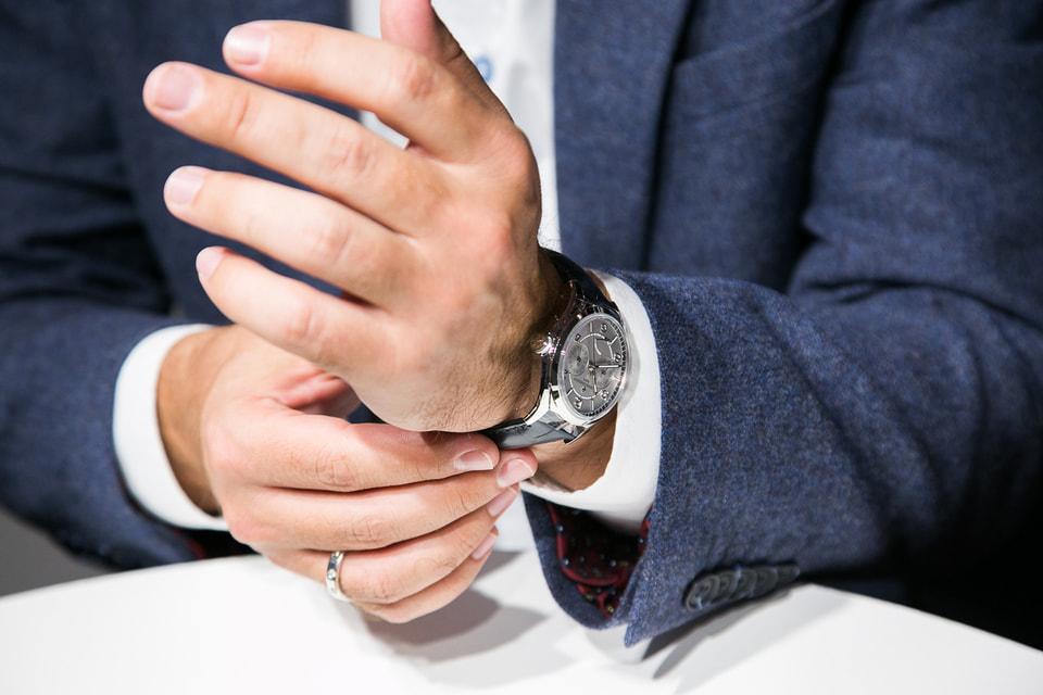 Три модели часов Fiftysix из стали и золота с автоподзаводом, с индикацией дня недели и даты, с полным  календарем представлены  в бутике Aizel и в  онлайн магазине Aizel.ru до 9 ноября