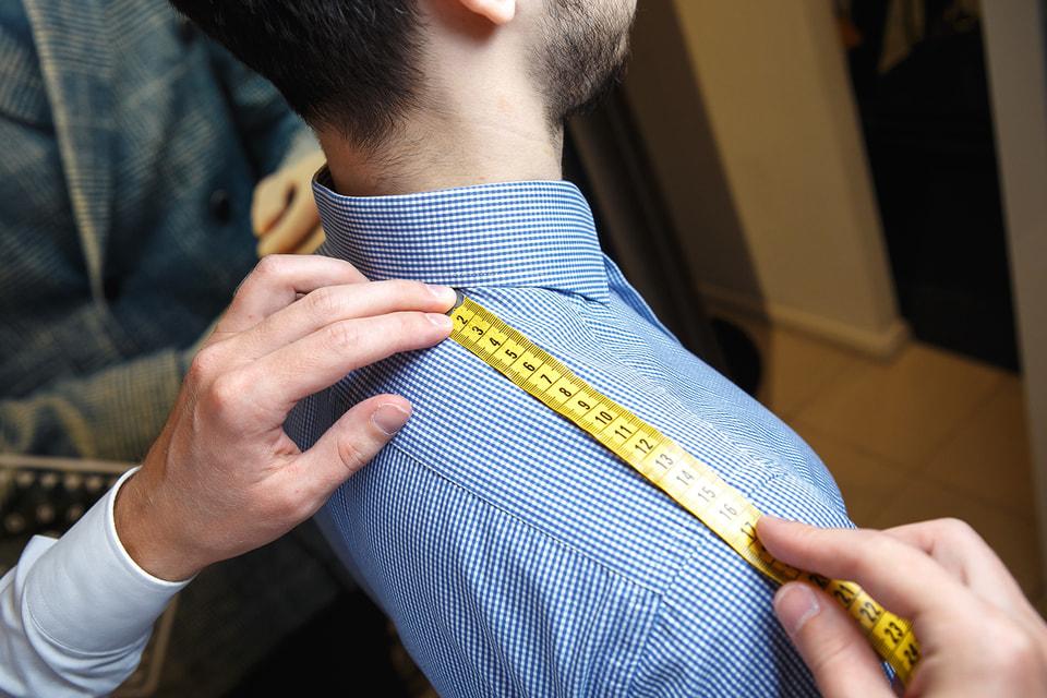 Индпошив костюмов и сорочек осуществляется по меркам клиента