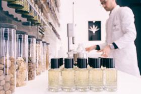 Многие ароматы вдохновлены историями из жизни самого парфюмера