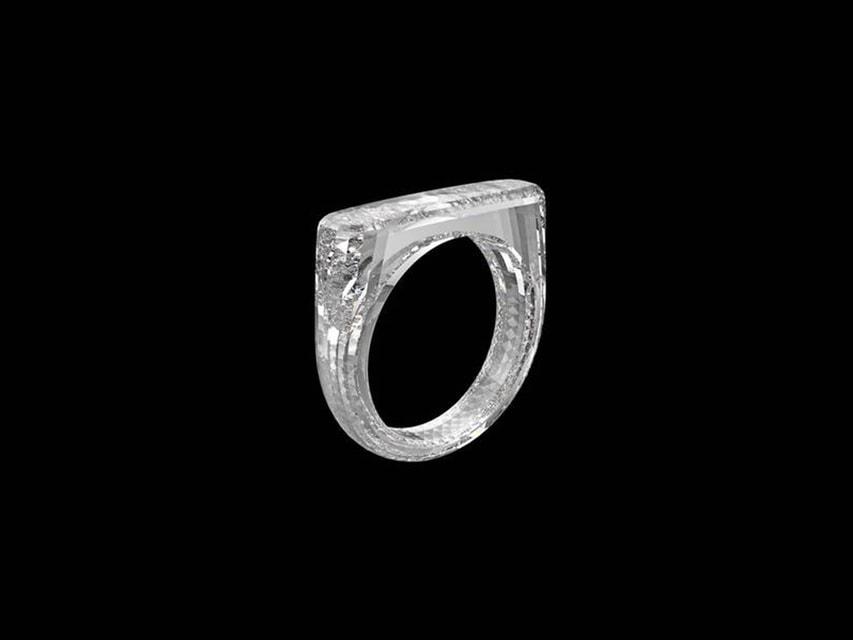 Кольцо из цельного бриллианта