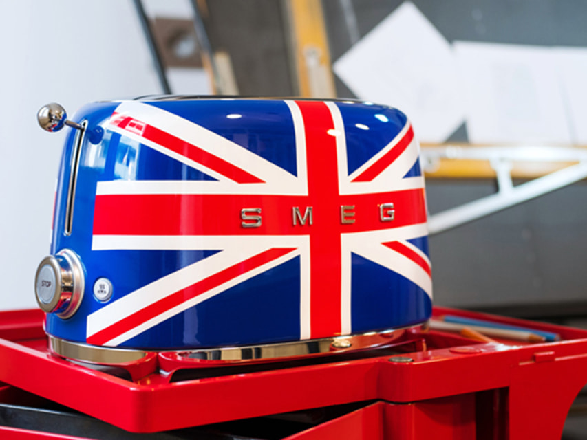 Тостер на два ломтика в британской расцветке Union Jack