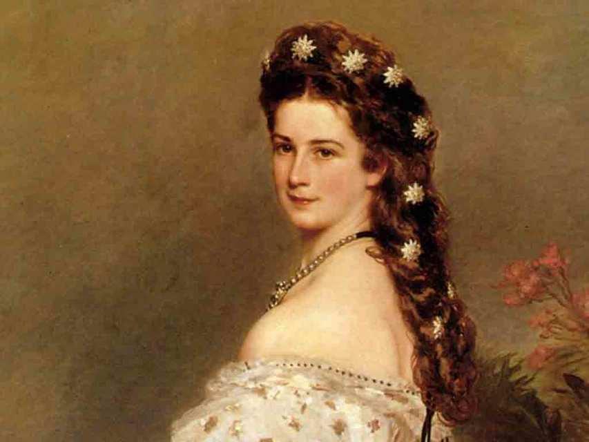 Прическу королевы Елизаветы украшают бриллиантовые звезды, изготовленные мастерами Köchert