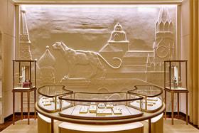 Интерьер бутика Cartier в ГУМе