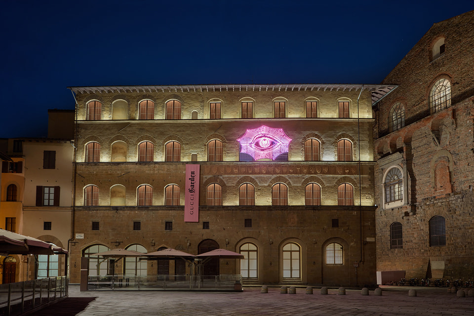 Gucci Garden разместился в  здании XIV века Palazzo della Mercanzia