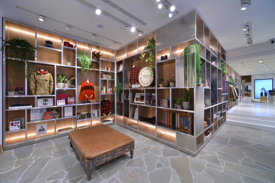 Магазин американского модного бренда разместился на площади 700 кв. м.
