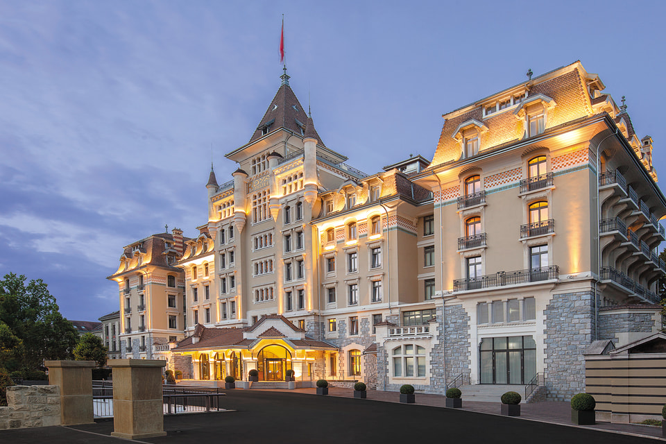 Фасад отеля Royal Savoy Hotel & Spa Lausanne