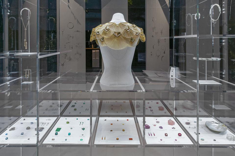 На выставке Vendorama Дом Boucheron продемонстрировал свою ювелирную «кухню»: виртуальный процесс создания украшений, драгоценные материалы и, конечно же, сами оригинальные творения