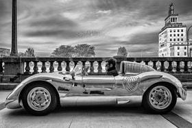 Конструктор-изобретатель Кристофер Рунге за рулем Runge RS, штат Айова, США