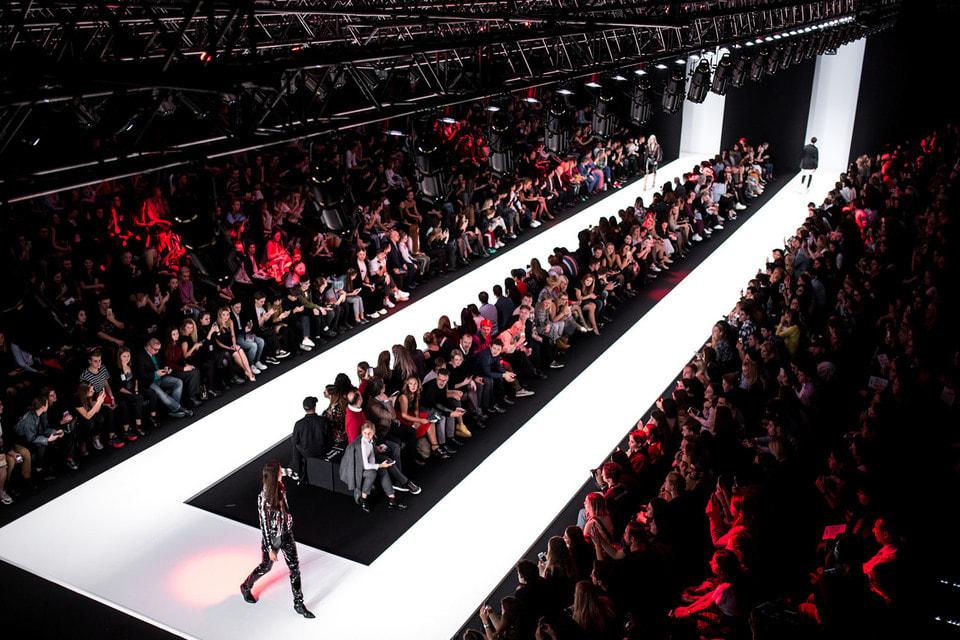 Основная площадка Mercedes-Benz Fashion Week Russia  – ЦВЗ «Манеж»