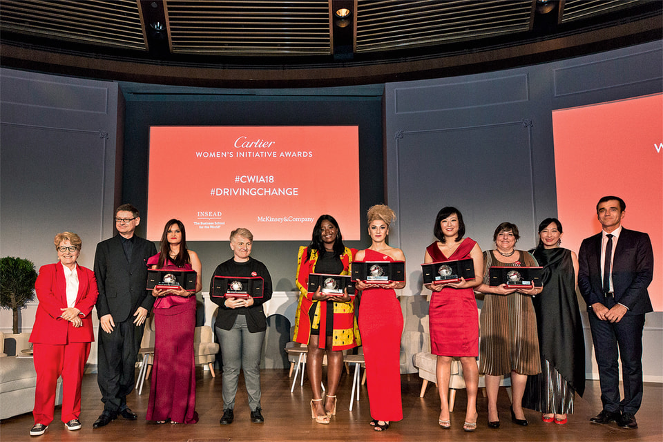 Победительницы конкурса Cartier Women's Initiative Awards 2018 и президент Дома Сирилл Виньерон (слева)