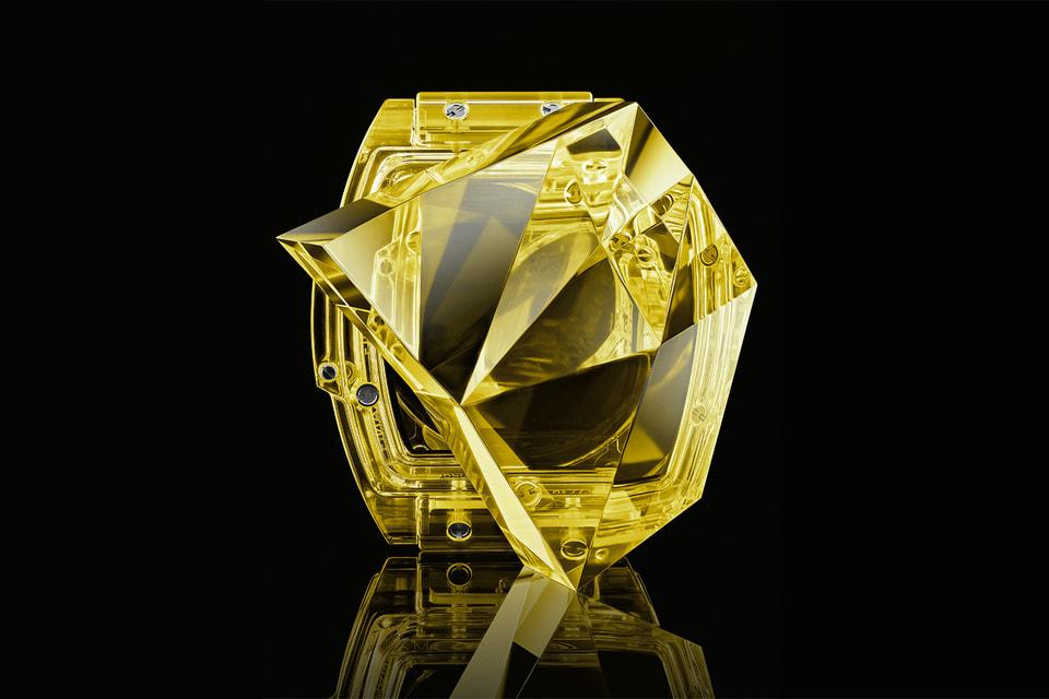 Hublot инвестировал собственные финансовые средства в разработку и производство искусственного сапфирового стекла разных ярких цветов