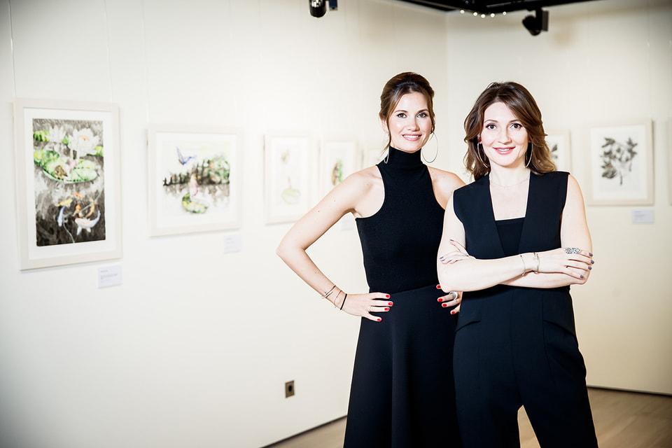 Екатерина Винокурова и Анастасия Карнеева, основатели Smart Art, на выставке «Дюймовочка»