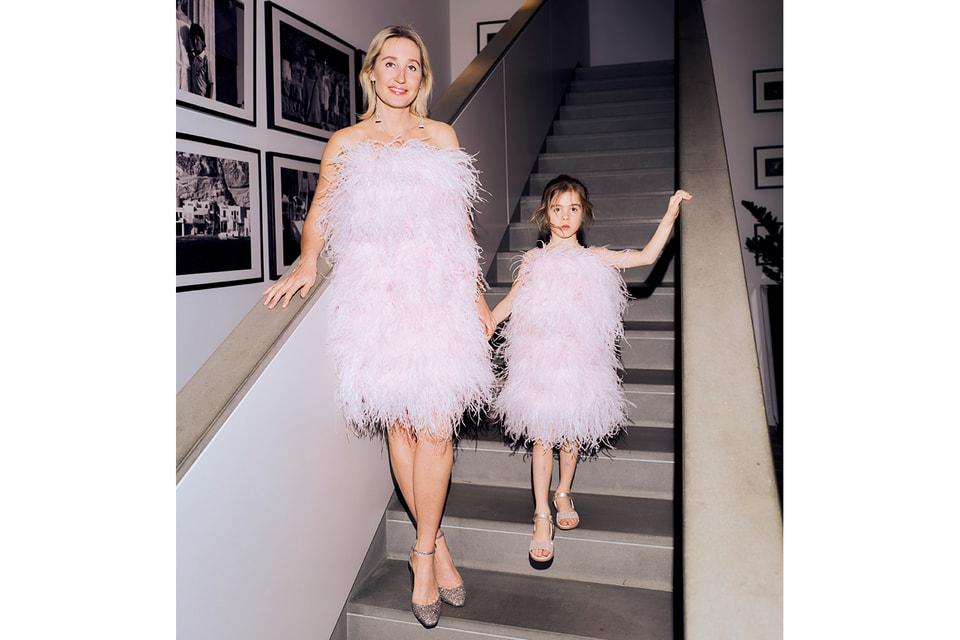 Оксана Бондаренко с дочерью Мией в платьях «Мама-Дочка»