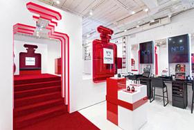 Эфемерные бутики Chanel – это всегда не только новинки, но и разнообразные развлечения