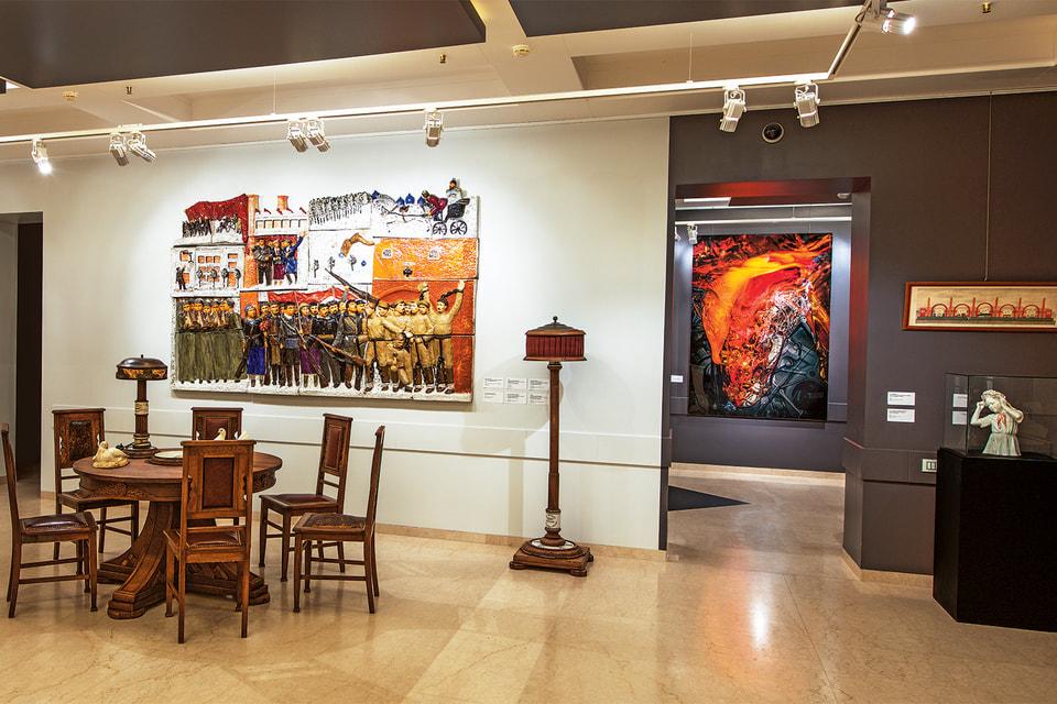 В галерее «Эритаж» представлена коллекция мебели советского ар-деко