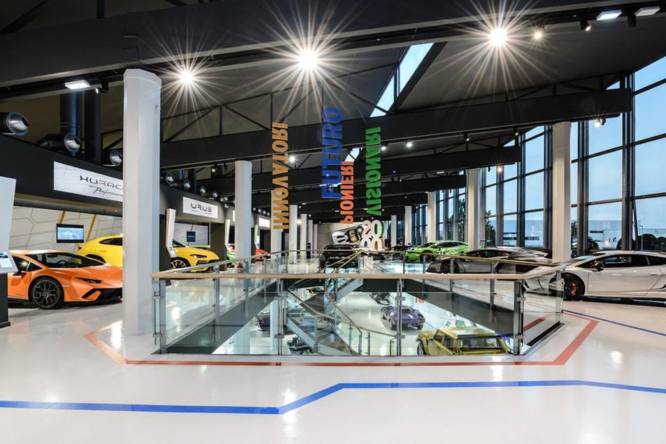 Посетителям предлагается увидеть экспозицию моделей автомобилей Lamborghini, созданных с момента основания компании в 1963 году
