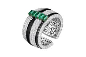 de Grisogono, браслет из коллекции High Jewellery, белое и желтое золото, изумруды, бесцветные бриллианты, оникс