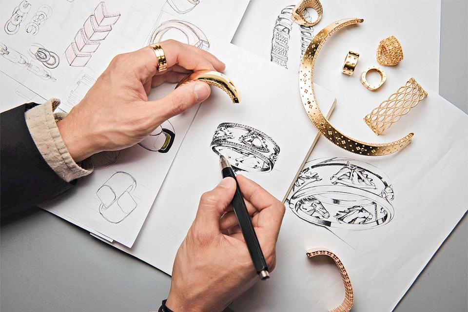 Создаваемые под именем Роберто Коина украшения славятся своей эргономикой и искусной работой с золотом