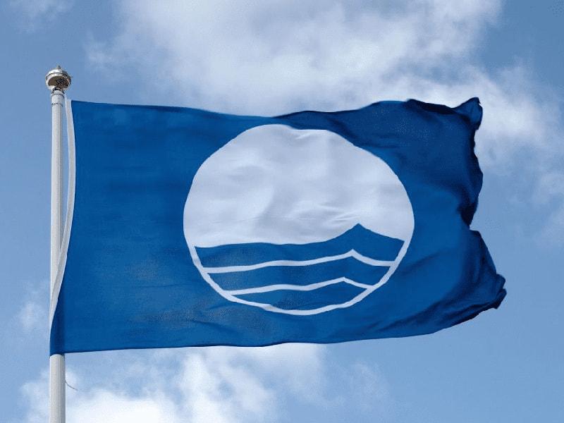 «Голубой флаг» – награда, присуждаемая причалам и пляжам, вода в которых отвечает самым высоким стандартам качества