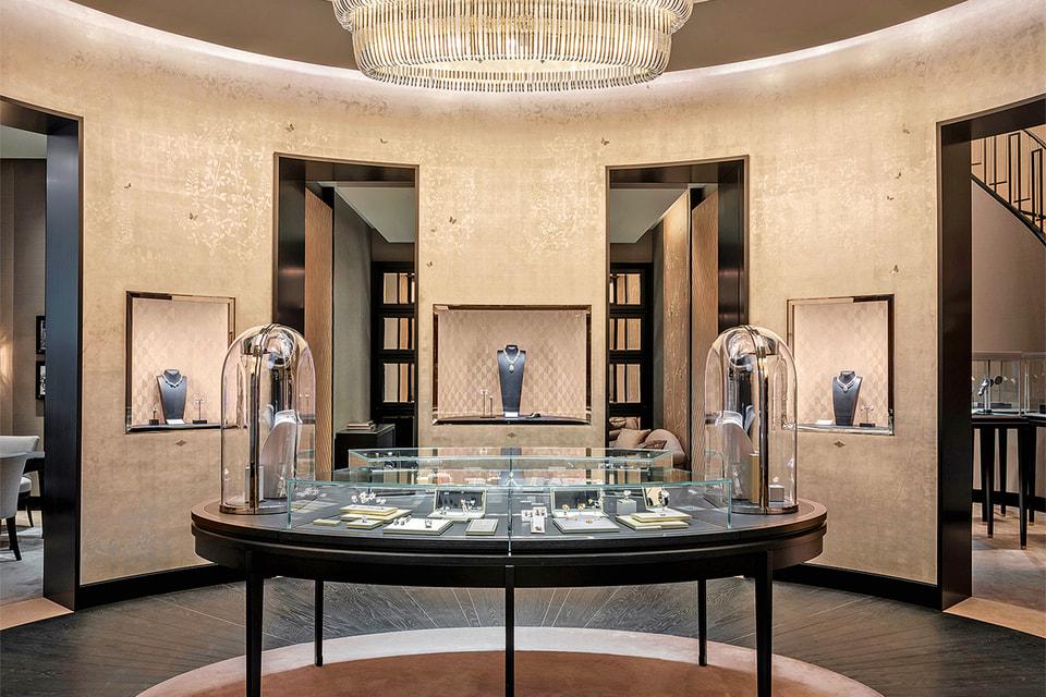 Центральный зал-ротонда магазина Van Cleef & Arpels