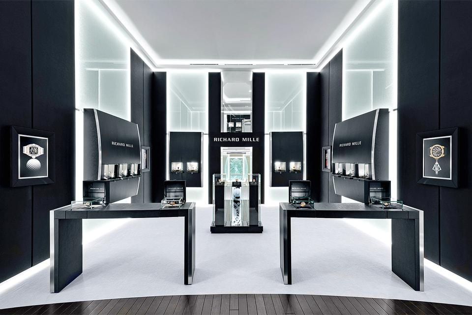 Лаконичный облик первого в России бутика Richard Mille