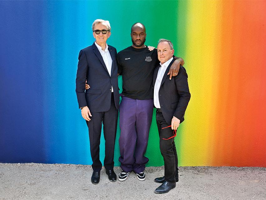 Вирджил Абло с Бернаром Арно, главой LVMH Group, и Майклом Бёрком, президентом LV