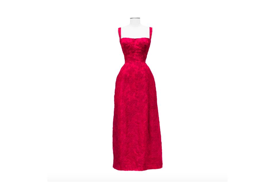 В этом платье Livia Haute Couture Клаудия Кардинале появилась на своем первом Каннском фестивале в 1961 году (эстимейт 3,000 € - 4,000 €)