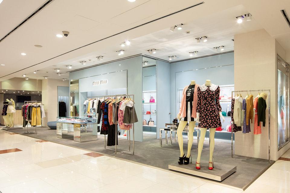 Впервые в ЦУМе появился бутик Miu Miu с таким широким ассортиментом: помимо аксессуаров, здесь представлена  и одежда, и обувь