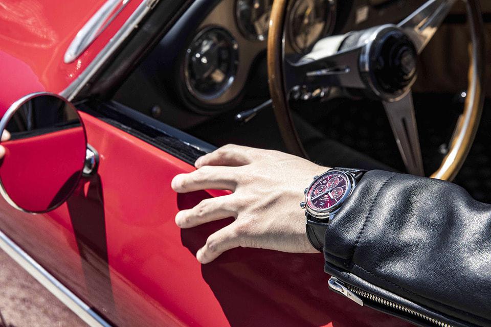 Красный лакированный циферблат с мотивом в виде буквы Z хронографа Mille Miglia Classic Chronograph Zagato 100th Anniversary Edition напоминает напоминает о знаковых деталях дизайна Zagato