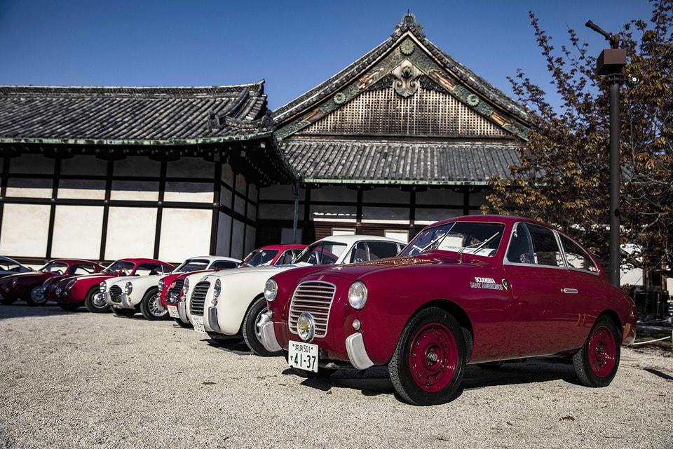 Итальянское тюнинговое ателье Zagato основано в 1919 году, а созданная под его крыло дизайн-студии Total Design сегодня сотрудничает с такими автомобильными марками, как Porsche, Aston Martin, Ferrari и Bentley, в том числе и совершенствует облик редких олдтаймеров